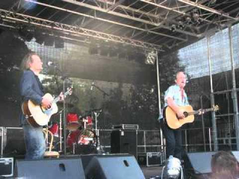 eldkvarn-konfettiregn-2011-sisiasis