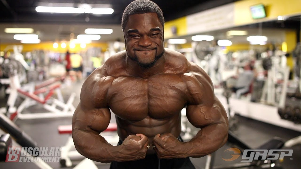 Ifbb Pro Brandon Curry Trains Chest Youtube