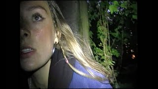 Смотреть клип Holly Humberstone - Overkill