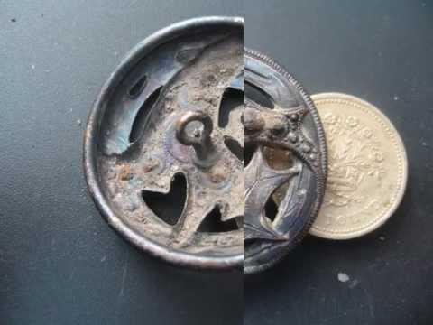 Metal Detecting/mudlarking on the banks of The Thames: Episode 9b