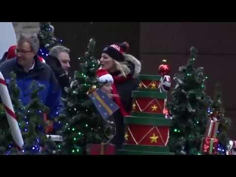 Help Santa Toy Parade-Ottawa-2017 (1)