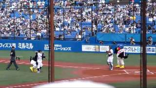 ヤクルト対日本ハムでの始球式です。