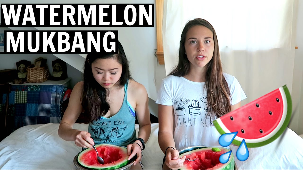 Dorm Room Vegans, Protein, and Friendship // Q&A MUKBANG w/ Lisa!