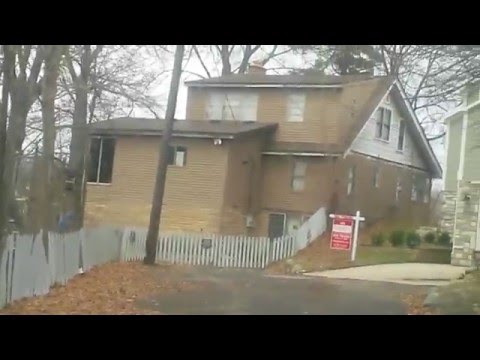 Finding Jimmy Hoffa, his Lake Orion House on square lake. (I say round lake on the video).