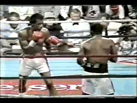Aaron Pryor vs Bobby Joe Young  - (Pryor's only loss)