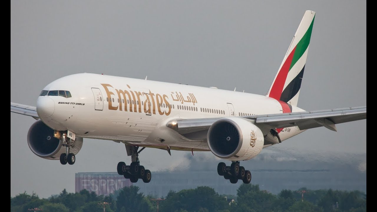 A380 Wallpaper Hd Emirates Boeing 777 300 Landing At D 220 Sseldorf In Nice