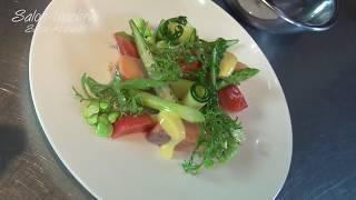 プロが教えるフランス料理フルコースへの道 マスのコンフィと夏野菜サラダ 山葵マヨネーズ