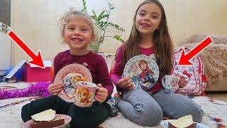 Cadouri din Romania   Farfurii cu Frozen si Patrula Catelusiror   Kinder Maxi cu Pinguini