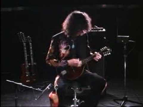 Led Zeppelin The Battle Of Evermore / plays mandolin - YouTube