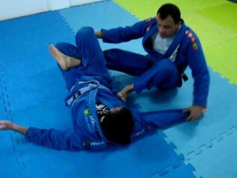 Jiu-Jitsu - Guarda 50/50 técnica 1 - Marcos Schubert - www.schubertshop.com