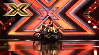 Участница выехала на сцену на мотоцикле. Эксклюзив