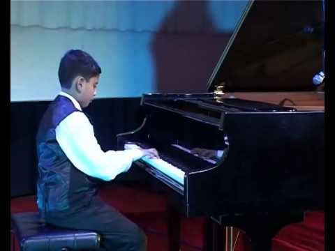 Young Pianists in Concert