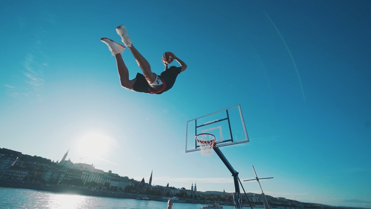 Acrobatic Dunks On a Boat - Face Team New Generation