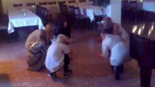 familie dans til tørfisk - VLTJ