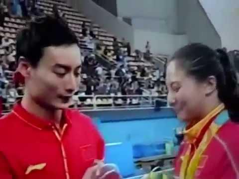 estaba en el podio con su medalla cuando recibio la mas sonada propuesta de amor