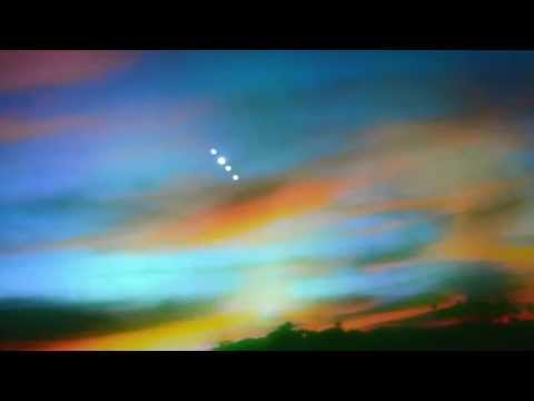 UFO Sightings Fire Balls Fall From The Sky! Brilliant Display Oct 3, 2014