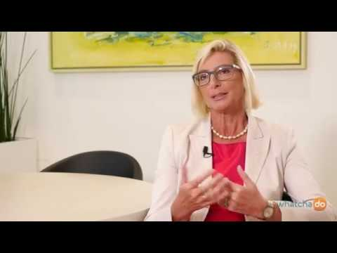 What's it like to be the CEO of an internat. insurance group? Elisabeth Stadler VIG's CEO explains