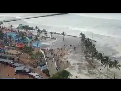 Oh my God! What's going on! Can not believe the tsunami hit South Africa!