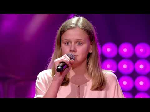 Emma Louise - 'That Don't Impress Me Much' | Blind Auditions | The Voice Kids | VTM