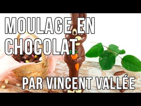 Moulage d'un lapin en chocolat pour Pâques par Vincent Vallée ! 🇫🇷
