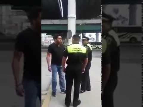 Policías golpean a conductor en Paseo Tollocan  San Mateo Atenco
