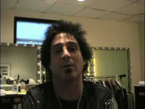 A Backstage Interview With Deen Castronovo of Journey