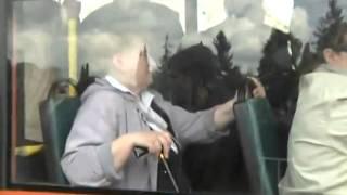 Львов 9 мая 2011 года, бандерлохи напали на ветеранов.