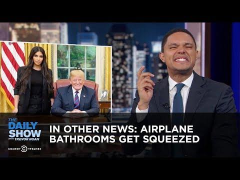 Trong tin khác:  Phòng tắm Máy bay Get Squeezed  The Daily Show