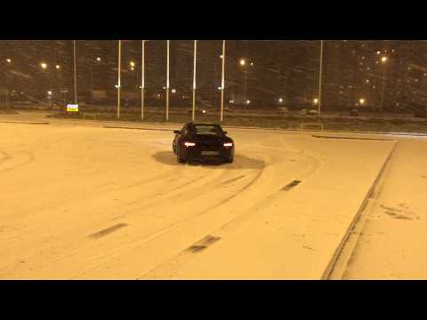 Porsche 911 - первый снег