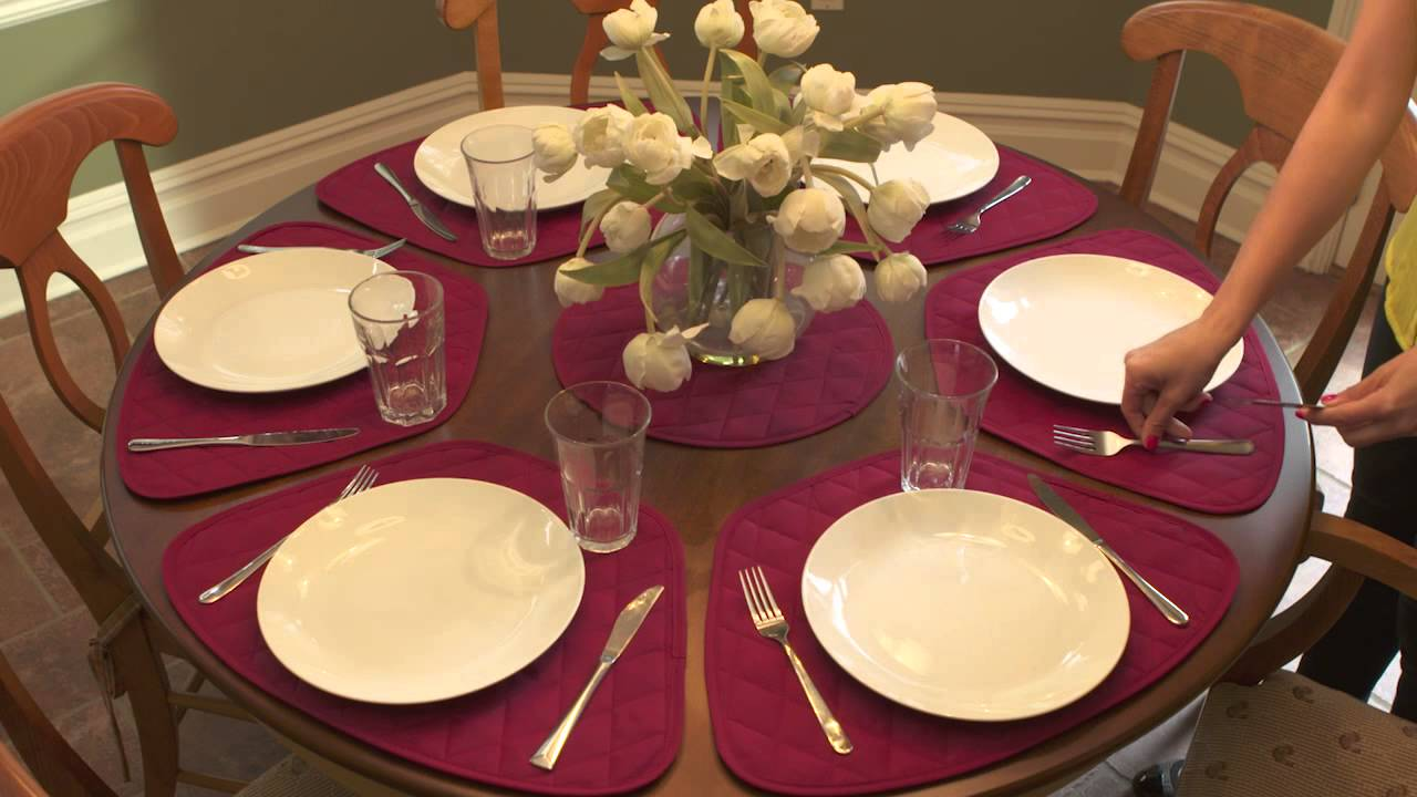 Superior How To Fit Placemats On A Round Table