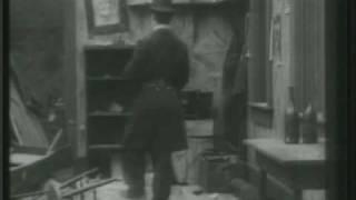Charles Chaplin-La Calle de la Paz (Easy Street) (III)