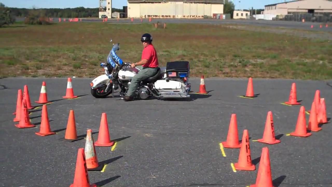 Police Motorcycle Training One Handed Keyhole Youtube