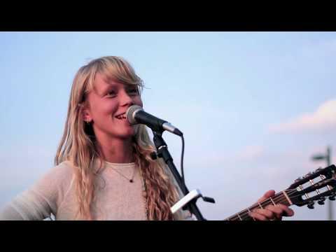 Alice Phoebe Lou - Lou Reed - Walk on the wild side