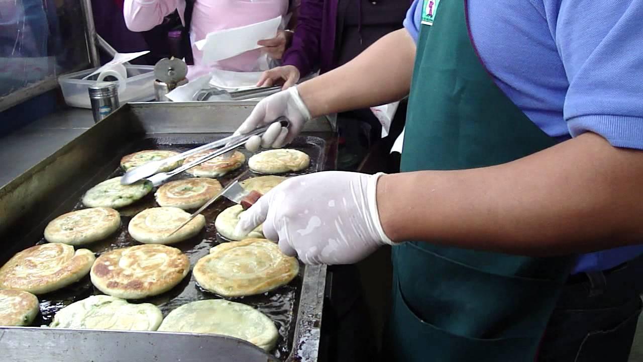 宜蘭三星蔥油餅DIY煎餅示範 - YouTube