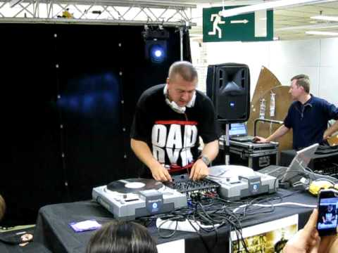 Dj Daddy K Showcase Live In MAKRO ALLEUR (Rayon Buro) 15 Octobre 2011