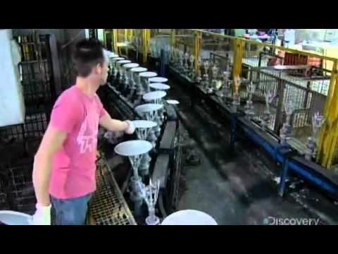 How It's Made - Cast Iron Cookware -=KCK=-.mp4 - YouTube