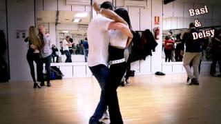 BACHATA Cancioncitas  de amor  ROMEO SANTOS  www bailesurmadrid com