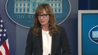 Actress Allison Janney addresses opioid epidemic