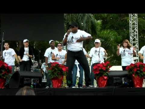 BEN-HUR BERROA CANTA: MI CANTO EN BAYSIDE FLORIDA MARCHA PARA JESUS 2011.MP4