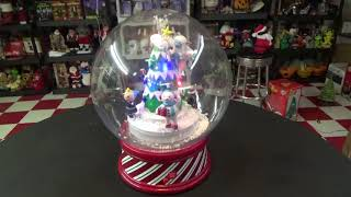 Gemmy Christmas Lighted & Animated Musical Characters Snowglobe (New 2017)