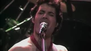 Queen   Crazy Little Thing Called Love   Live in Hammersmith 1979 12 26480P
