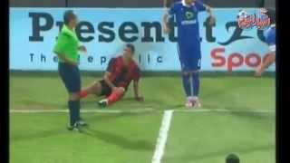 حسام غالى يبتعد عن الروح الرياضيه فى تصرفه مع لاعب الداخليه