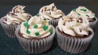 St. Patrick's Day Cupcake Frosting: Bailey's Irish Cream