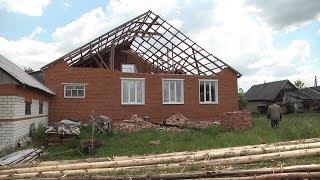 В Кабаеве Дубенского района Мордовии у главы села снесло крышу