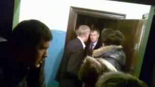 Ночной обыск в квартире мэра Братска Серова А.В.