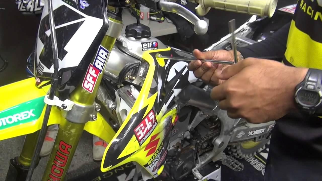 2015 Blake Baggett signed Yoshimura Suzuki RM-Z450 Supercross Motocross poster