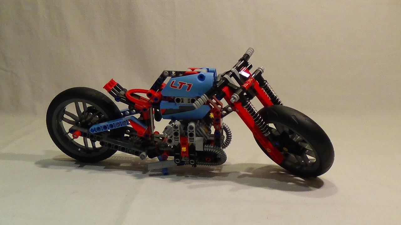 lego technics 2015 la moto urbaine mod le 2 review. Black Bedroom Furniture Sets. Home Design Ideas