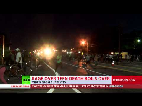 Ferguson Chaos: SWAT fire tear gas, rubber bullets on Day 4 of protest over teen killing