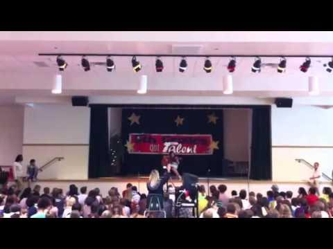 Cindy talent show ay Boals Elementary School