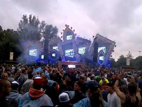 Ummet Ozcan - Raise Your Hands @ Tomorrowland 2015